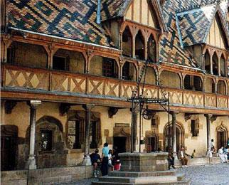Hospices_de_Beaune_1.jpg