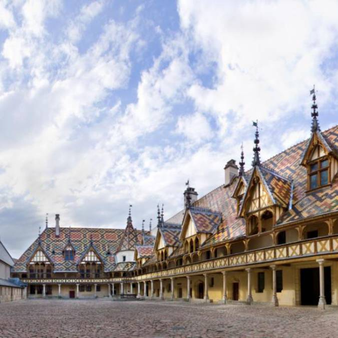 Hospices_de_Beaune_2.jpg